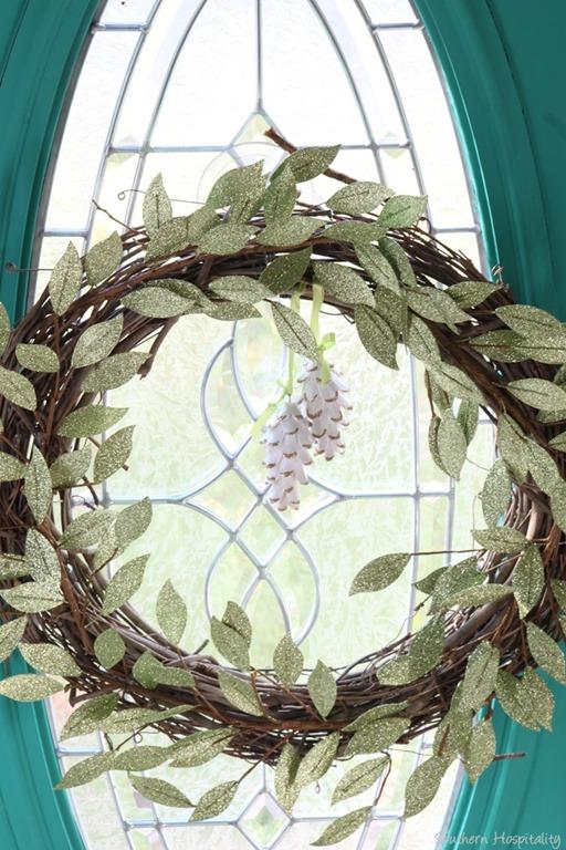 Making A Diy Christmas Grapevine Wreath Southern Hospitality