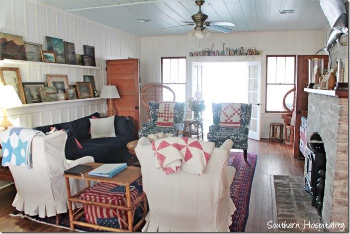 ebbtide living room