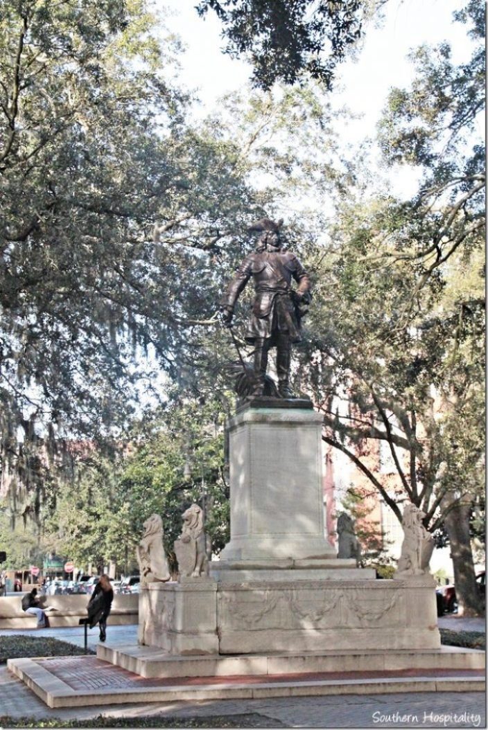 savannah statue 2