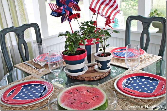 table setting red white and blue