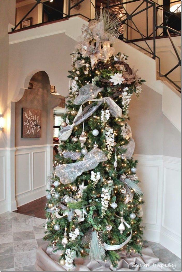 Arnold foyer tree