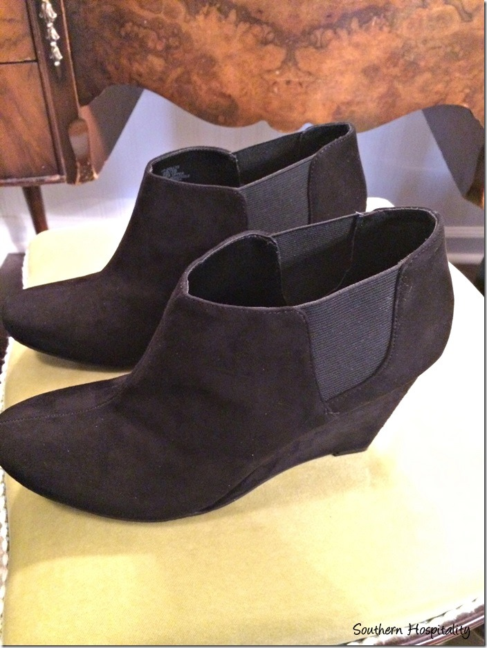 """af19663c8e85 These are the first booties I got. Black suede from DSW shoes and they are  by Vince Camuto. They are around 3"""" high and that's about the max I can go  these ..."""