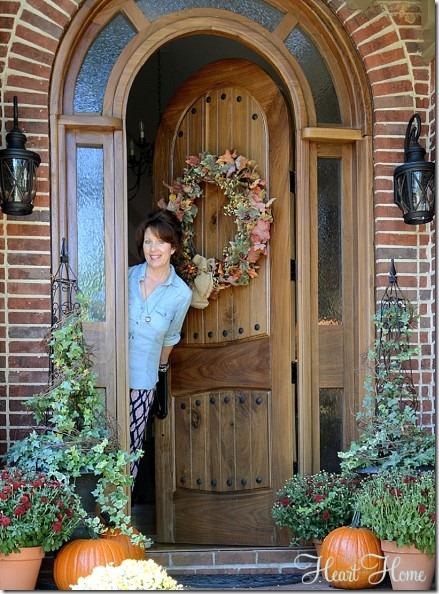robin at door