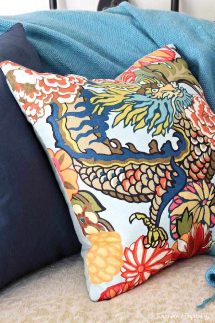chaing mai pillows