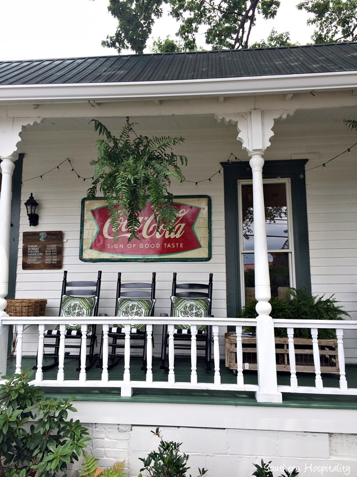front porch viningsIMG_3906_20150803
