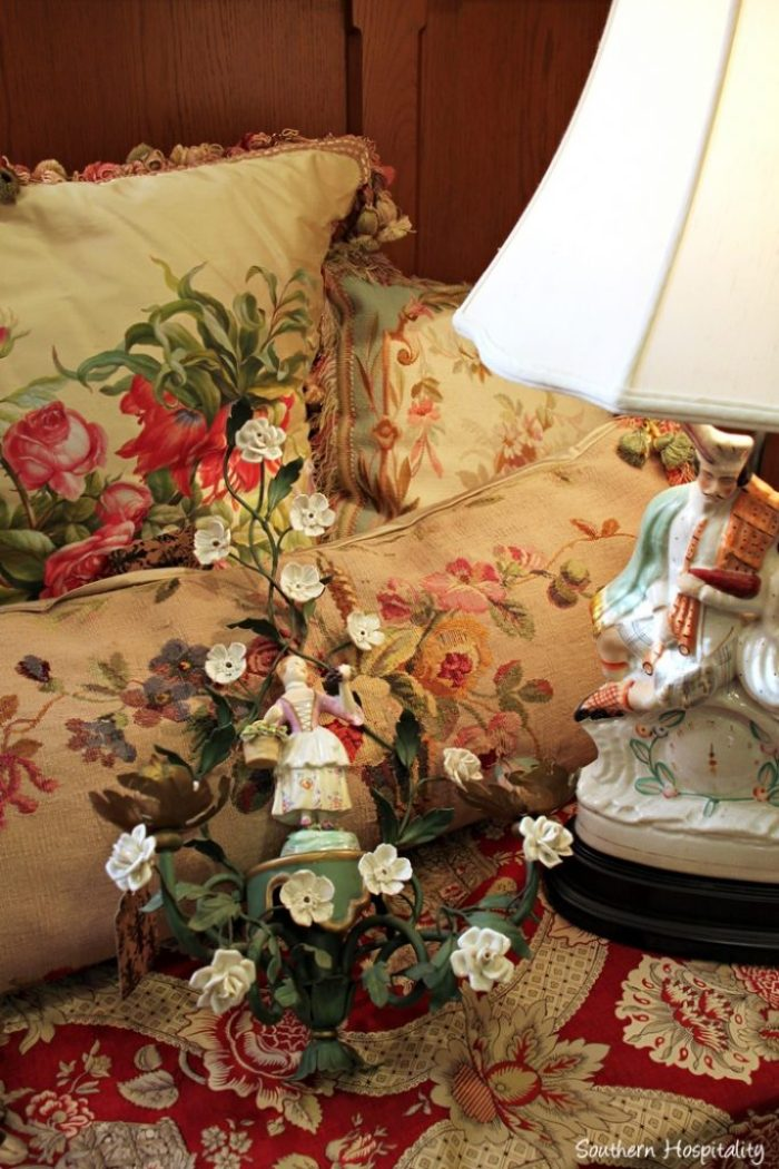 cathedral antiques show003