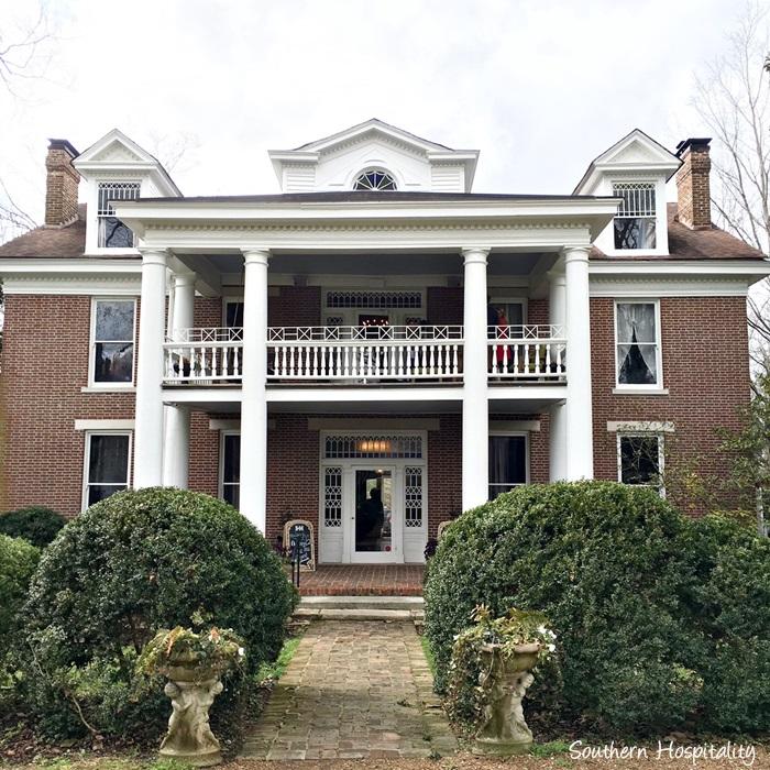 homestead manor001