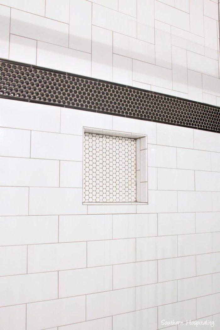 black and white bathroom024
