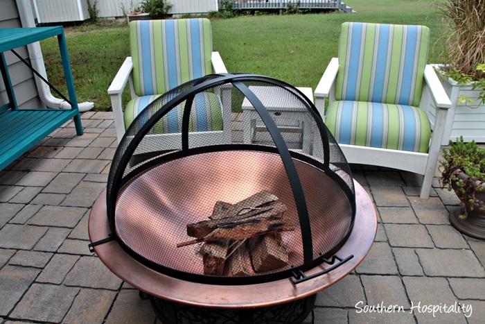 outdoor patio space with umbrella021