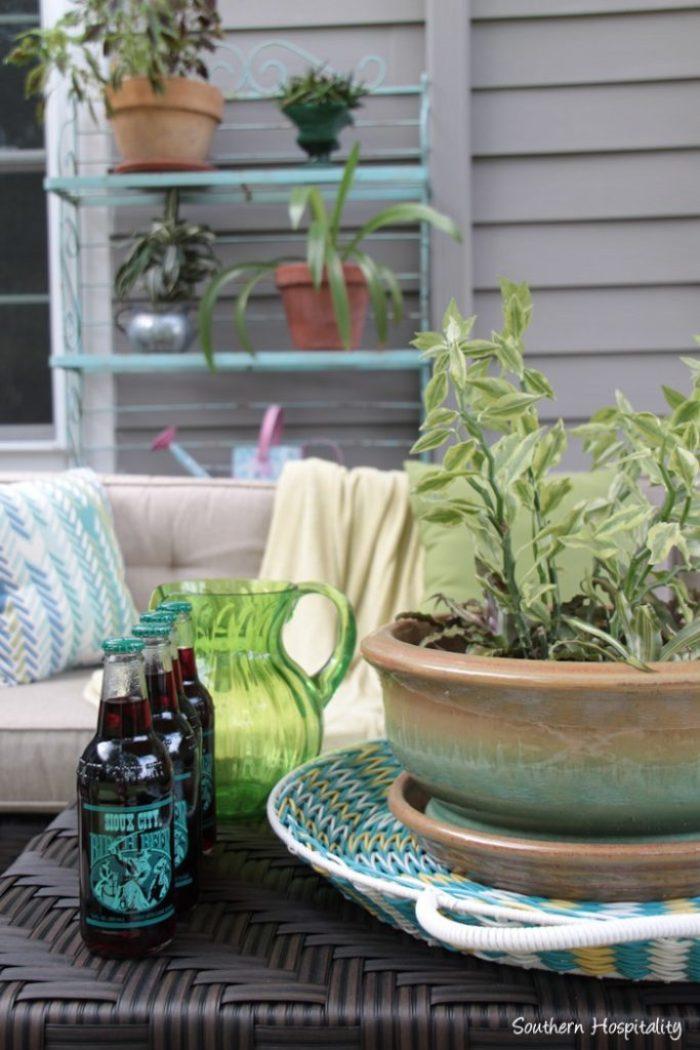 outdoor patio space with umbrella023