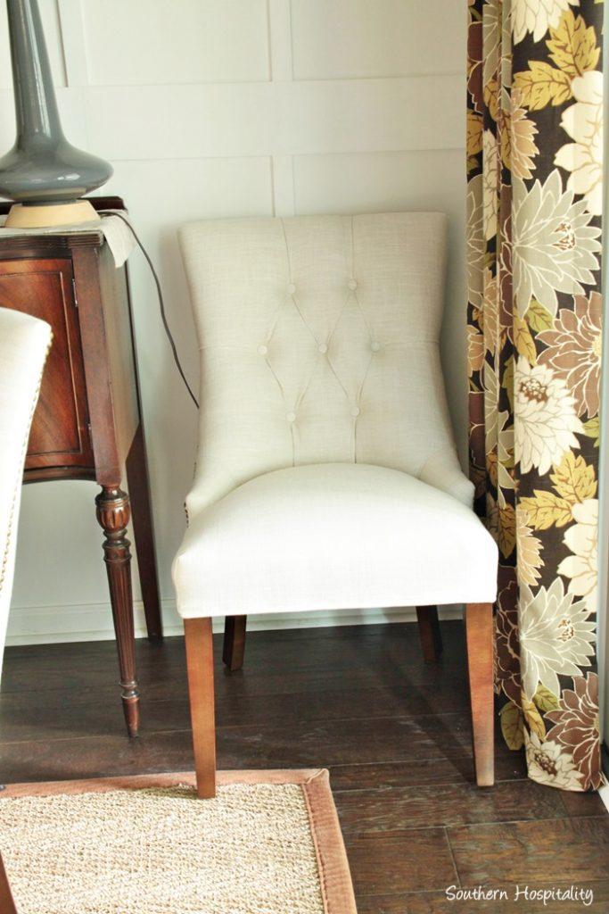 Carrington Court Fenwick Chairs005