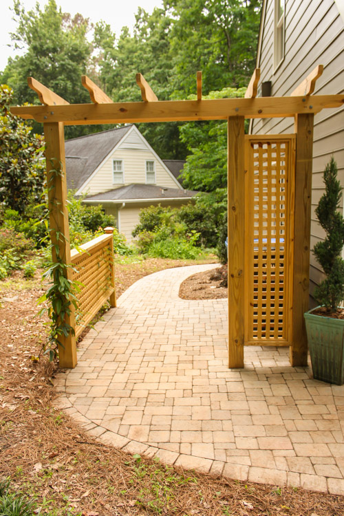 pergola-trash-can-screen-dublin-cobble-walkway-2