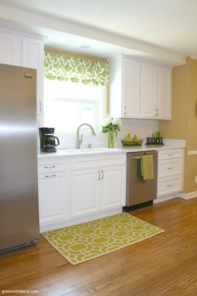 green-with-decor-summer-home-tour-kitchen-4-683x1024