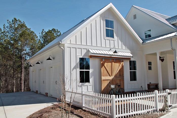 Feature friday modern farmhouse in north atlanta for Modern farmhouse garage doors