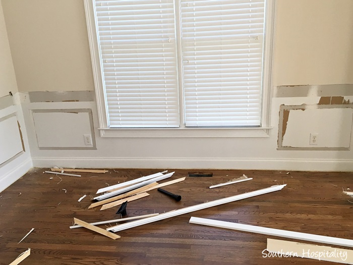 Wainscoting dining room Green Dont Hate Picture Frame Molding But Its Not Something He Loves And We Really Wanted To Do Tall Wainscot Treatment In The Dining Room Southern Hospitality Beadboard Wainscot In The Dining Room Southern Hospitality