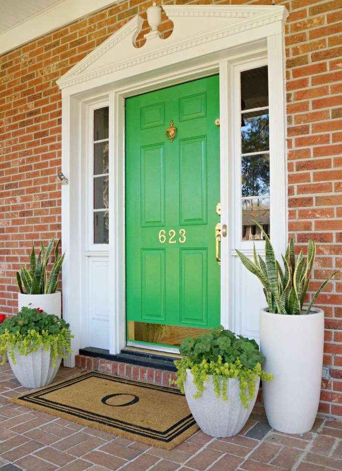 Painting interior doors a color southern hospitality painting interior doors planetlyrics Image collections