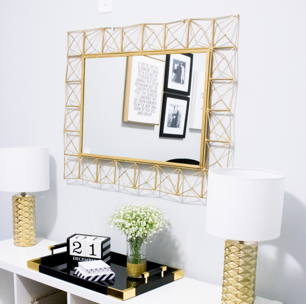 Home Office Tour | Southern Made Blog - Simple and sleek black, white, and gold home office reveal.  @safaviehrugs @hobbylobby @target