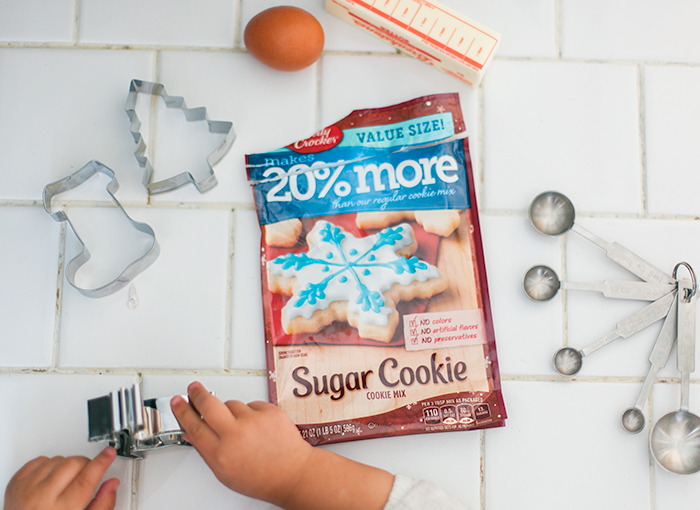 Baking-Christmas-Sugar-Cookies-6