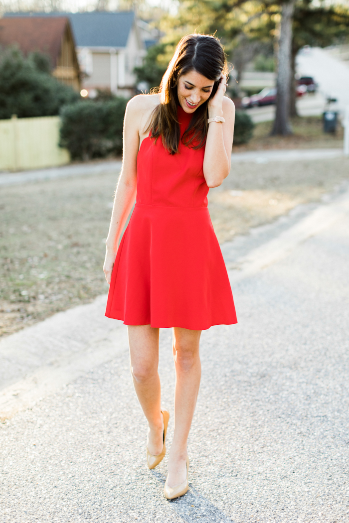 Red Scallop Dress perfect for Valentines Day for the busy mom from Brittany at SouthernMamaGuide.com || Red Dress || Scallop Dress || Valentines Dress || Moms Style || Valentines Day || Valentines Style