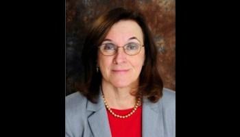 Dr-Christine-Arnold-Lourie