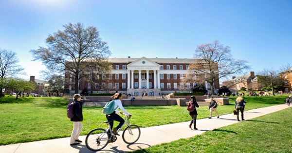 sudents_on_mall_in_front_of_mckeldin_library_spring_small