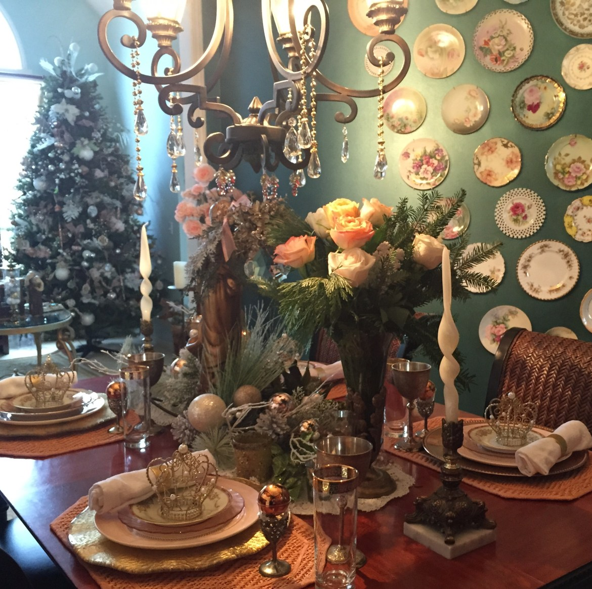 Elegant Christmas Tablescape