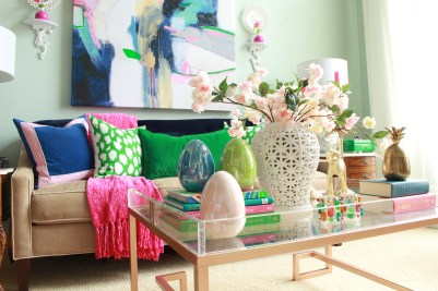 Simple Easter Decor for the Coffee Table
