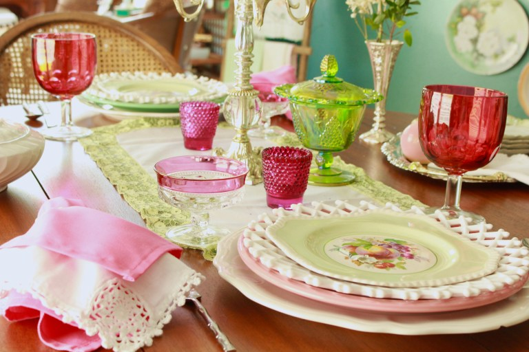 Simple Everyday Tablescape Ideas