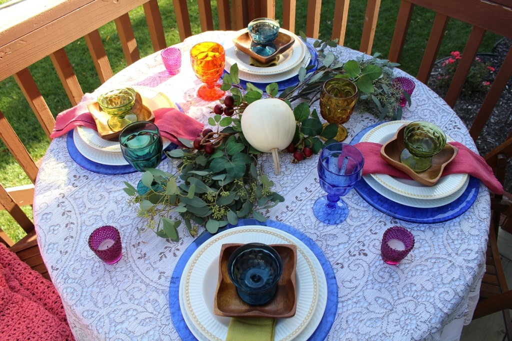 Vintage Dishes and Fall Decor Create a Simple Outdoor Tablescape