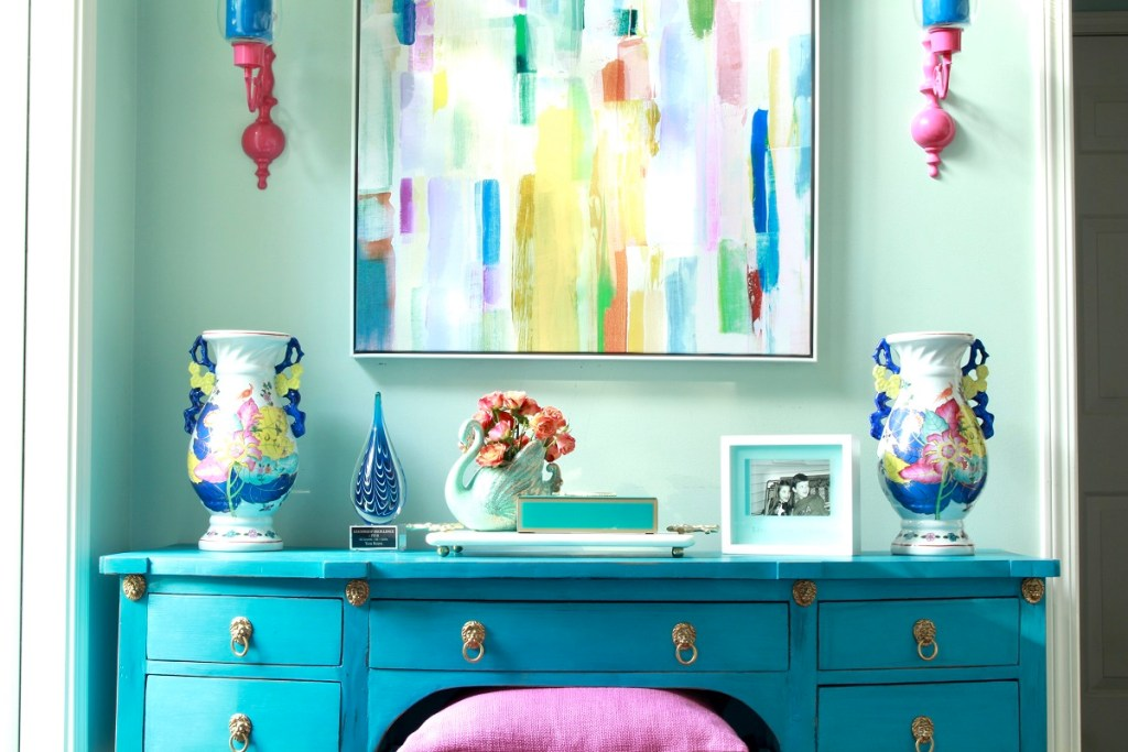 Turquoise Desk and Colorful Tobacco Leaf Urns