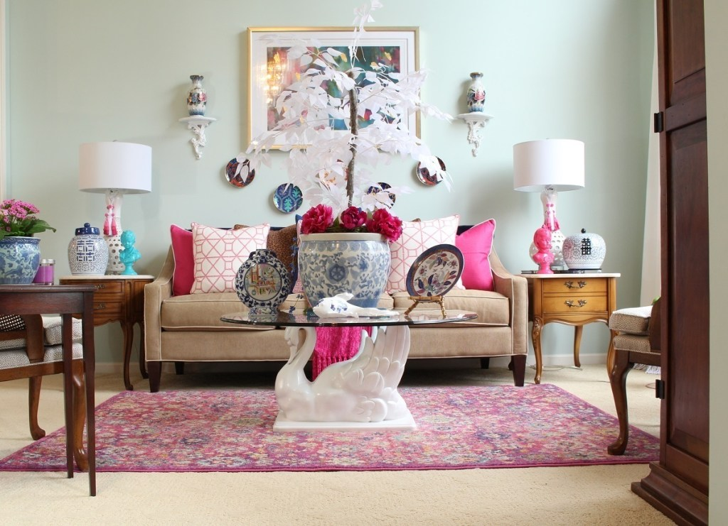 Chinoiserie Chic Living Room with Pink Peonies