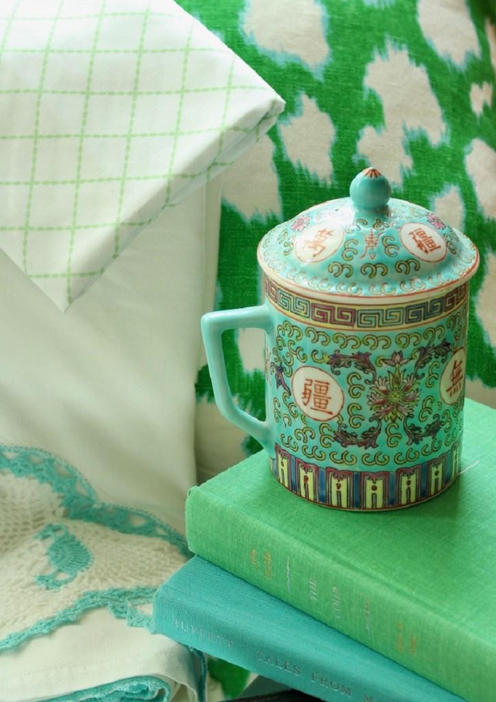 Vintage Chinoiserie Mug