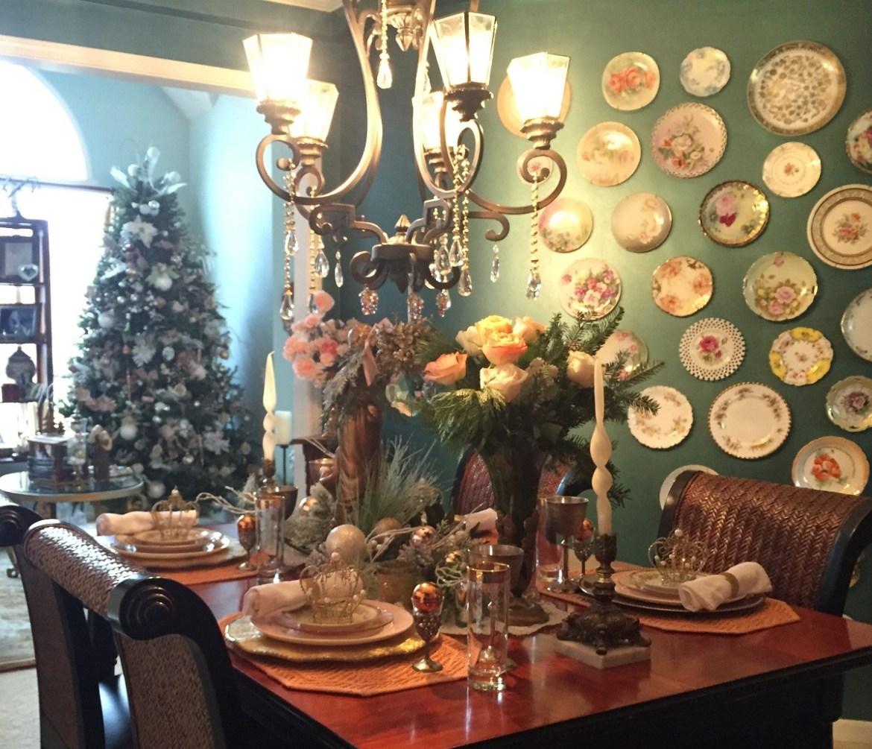 Southern Christmas Table Setting