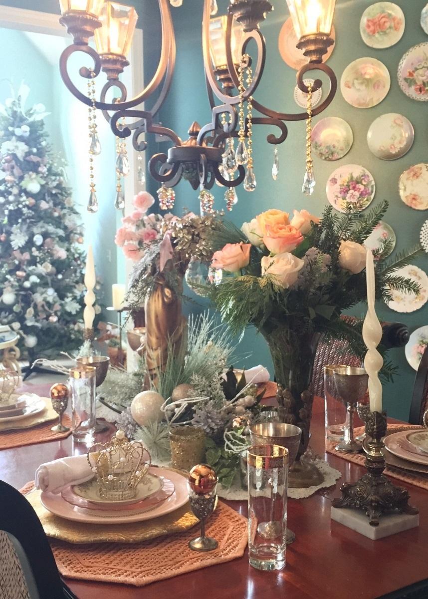 Vintage Christmas Table Setting