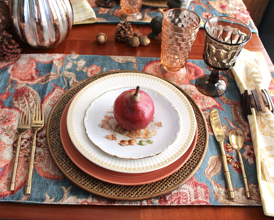 Colorful fall table setting