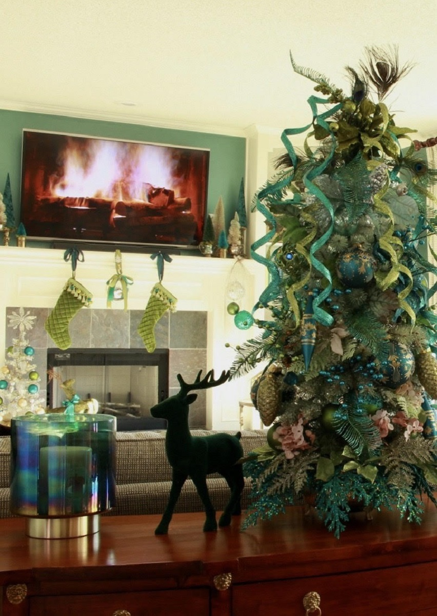 Elegant Teal and Lime Green Christmas Tree