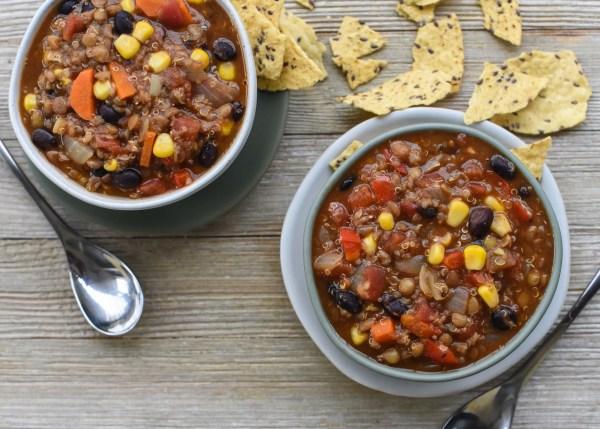 One Pot Vegan Lentil & Quinoa Chili