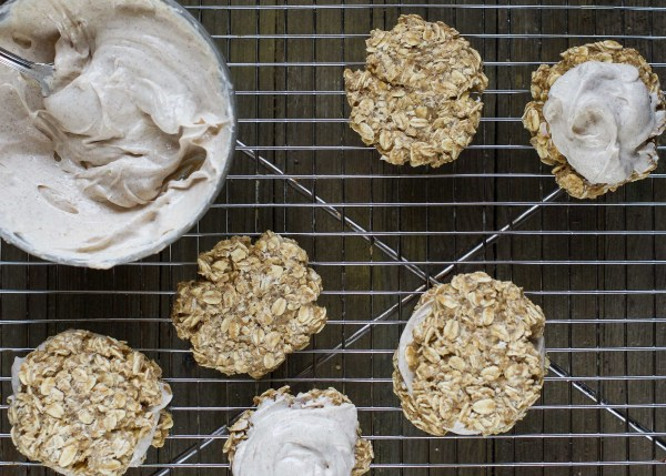 Puppy Oatmeal Creme Pies