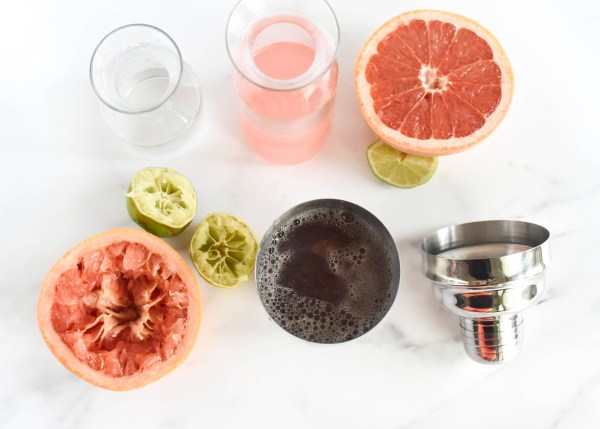 The Skinny Beach Cocktail- Grapefruit Lime Spritzer