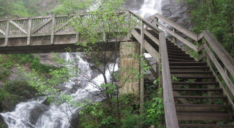 Best Waterfall Hikes in North GA