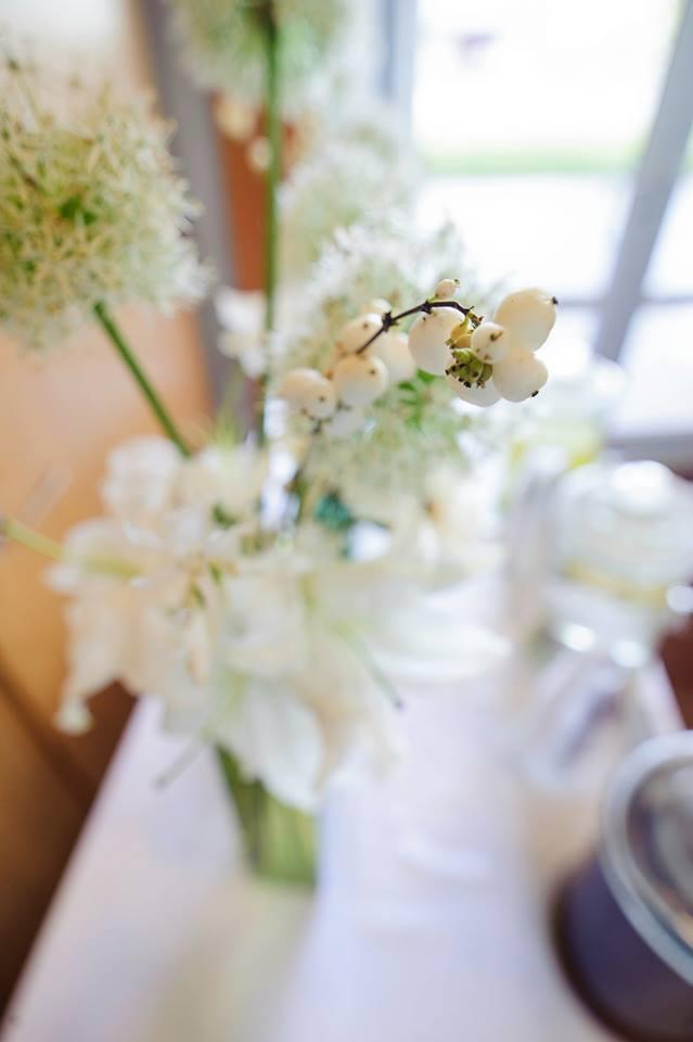 modern-white-flowers