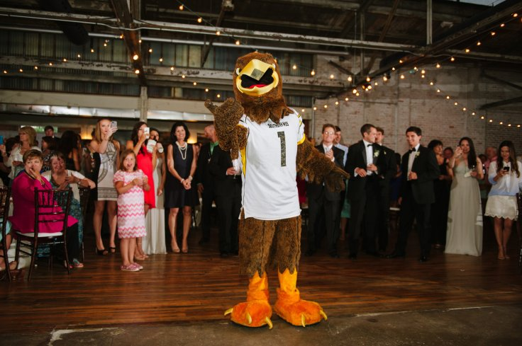 southern-ms-wedding-with-mascot