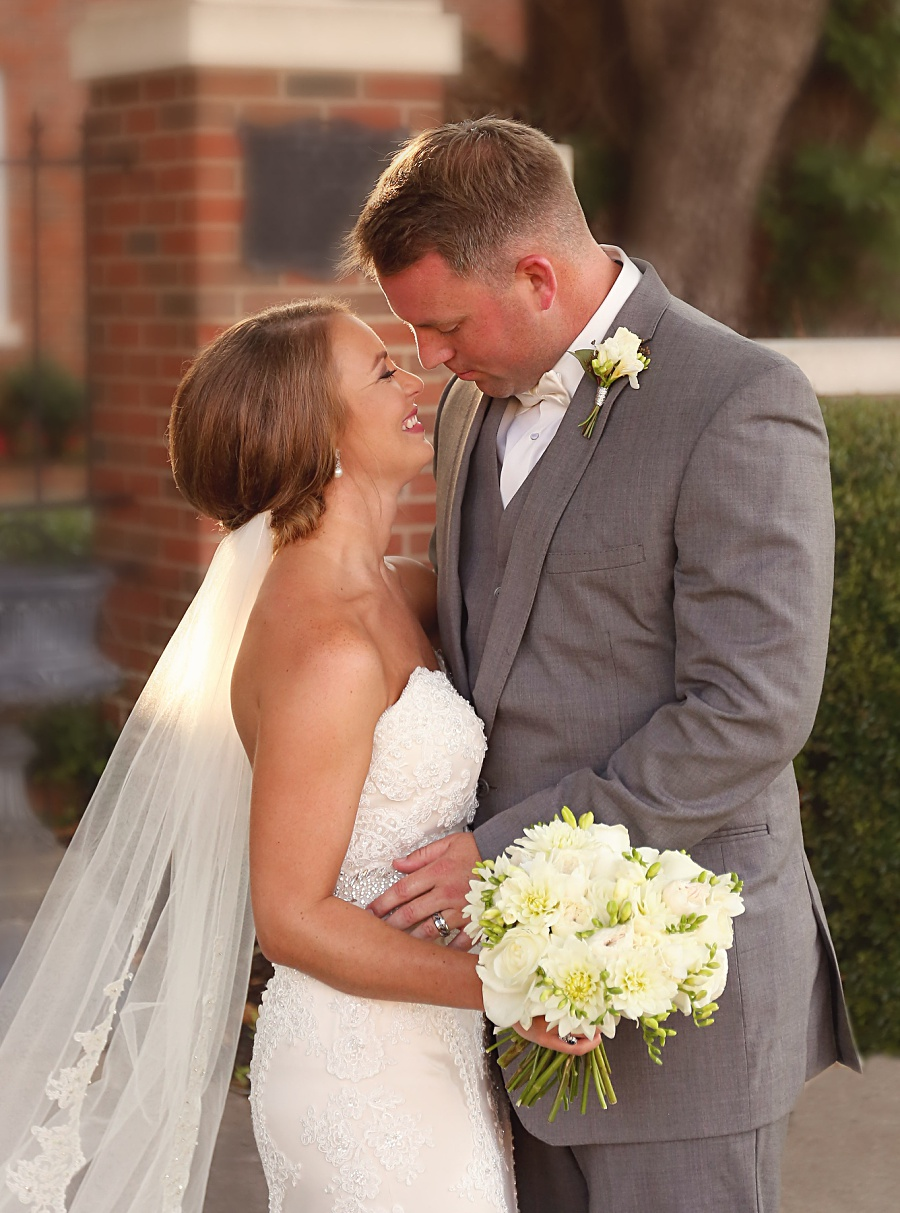 first-baptist-meridian-ms-wedding-by-mississippi-wedding-photographer-chlee