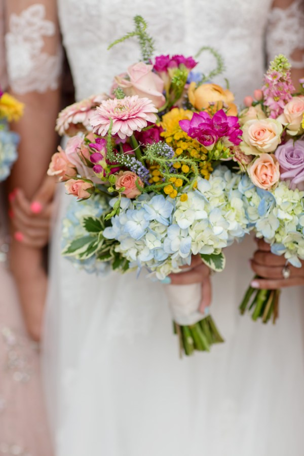 Bright Summer Bouquet for Boho Weddng