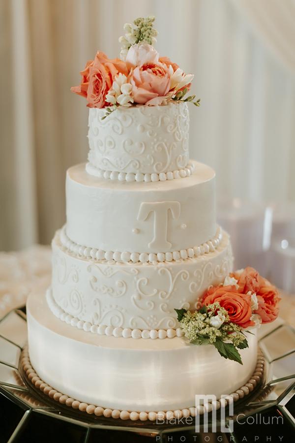 Wedding Cake by Carolyn's Creations