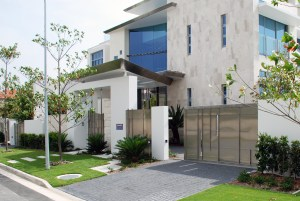 Residential stainless front fence