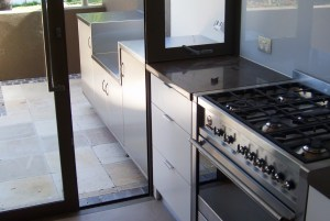 Residential stainless outdoor kitchen and draws