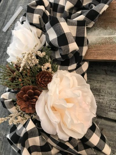 christmas, Christmas wreath, door decor, floral wreath, winter wreath, winter, Christmas front door decor, holiday wreath, neutral wreath, neutral Christmas wreath, diy, diy home challenge