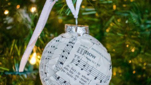 christmas, Christmas ornaments, DIY, DIY Christmas ornaments, ornaments, hymnal ornaments, music diy, Christmas tree, dollar store, dollar store diy, dollar store decor, dollar store ornaments, dollar tree ornaments, dollar tree diy