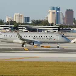 AmericanEagle-Embraer175_TH9696